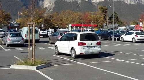 Parking Casino - au cordeau.jpg